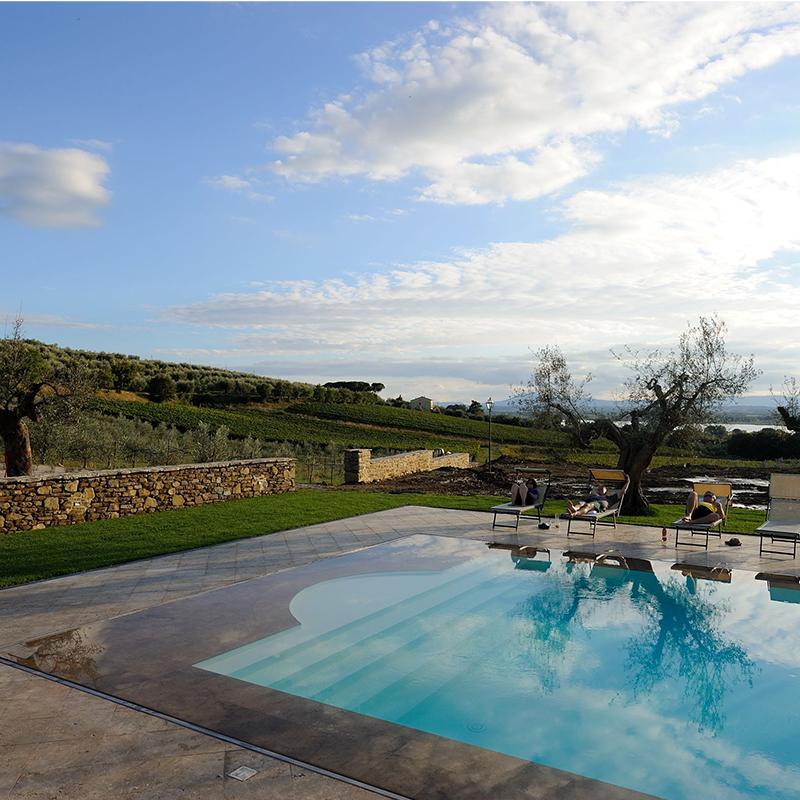 villa fontanicchio piscina