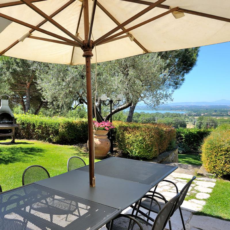 villa giulia, area relax in giardino